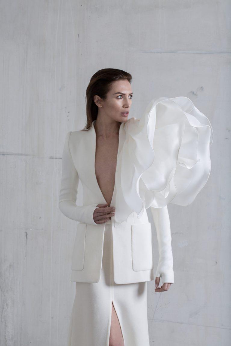 Белое платье от дизайнера Стефана Роллана. Коллекция 2017 года