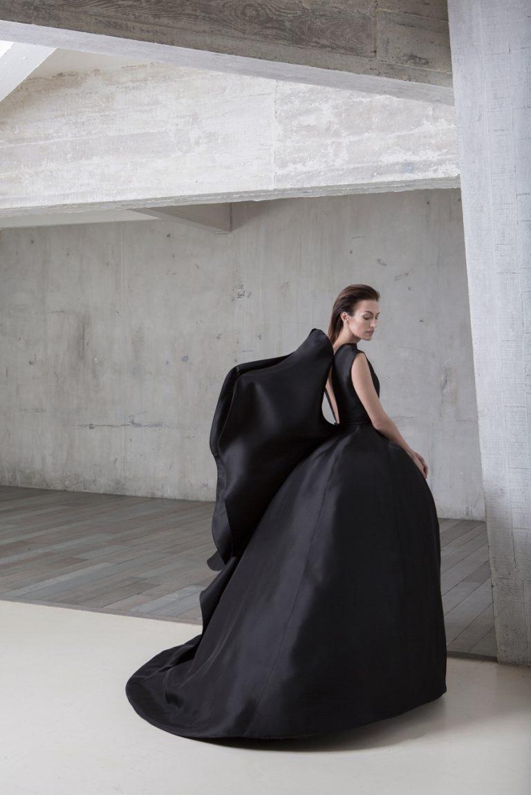 Платье от дизайнера Стефана Роллана